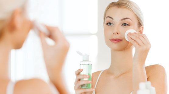 TOP 3 sản phẩm nước hoa hồng dành cho da mụn và da nhờn