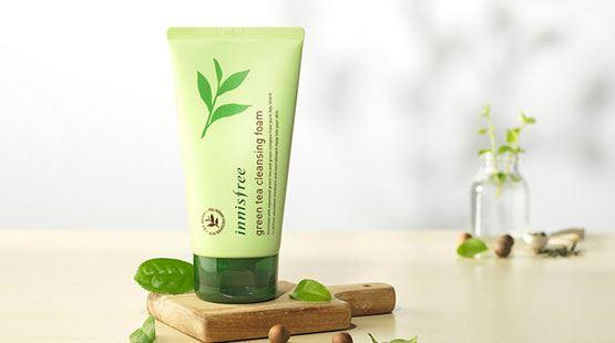 Review sữa rửa mặt trà xanh Innisfree Green Tea Cleansing Foam cho da dầu, mụn