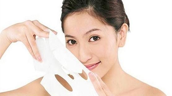 Bí quyết dưỡng làn da khô ráp do thường ngồi điều hòa