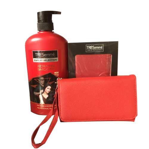 Dầu gội dành cho tóc khô Tresemme Keratin Smooth 650g - Tặng ví cầm tay