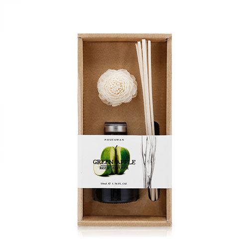 Tinh dầu thơm phòng Phutawan Green Apple 50ml- Hương táo xanh