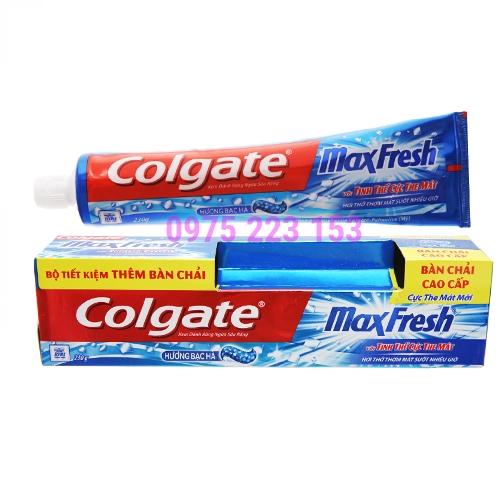Kem đánh răng Colgate MaxFresh Cực the mát hương Bạc Hà 200g tặng kèm bàn chải