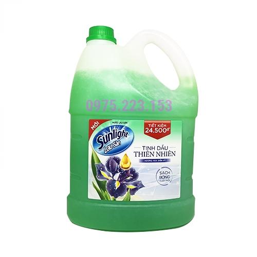 Can nước lau sàn Sunligt tinh dầu thiên nhiên Hương DIên Vỹ 3.8kg
