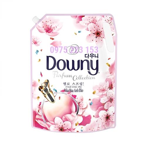 Túi nước xả vải đậm đặc Downy mùa hoa anh đào 2.4lit