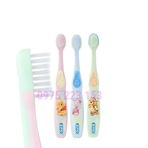 Bàn chải đánh răng em bé Oral-B Stage 1 dành cho trẻ 4-24 tháng
