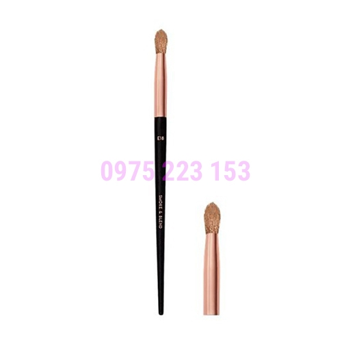 Cọ tán phấn mắt Vacosi Smoke and Blend Brush E18