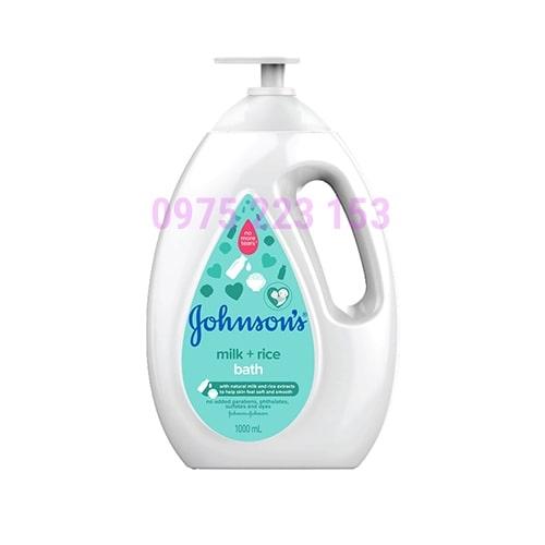 Sữa tắm dưỡng ẩm tinh chất sữa và gạo Johnsons Milk and Rice 1lit