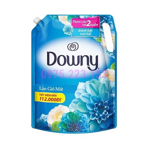 Túi nước xả Downy hương làn gió mát 2.4lit