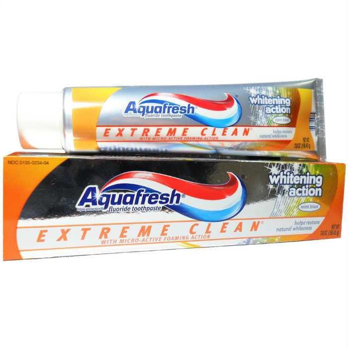 Kem đánh răng AquaFresh Whitening Action
