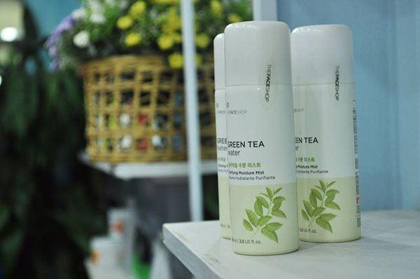 Xịt Khoáng Dưỡng Ẩm Green Tea Water The Face Shop được thiết kế vỏ nhôm chắc chắn