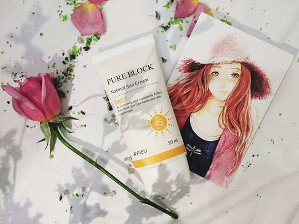 Kem Chống Nắng A'pieu Pure Block Natural Daily SPF45/PA+++ 50ml