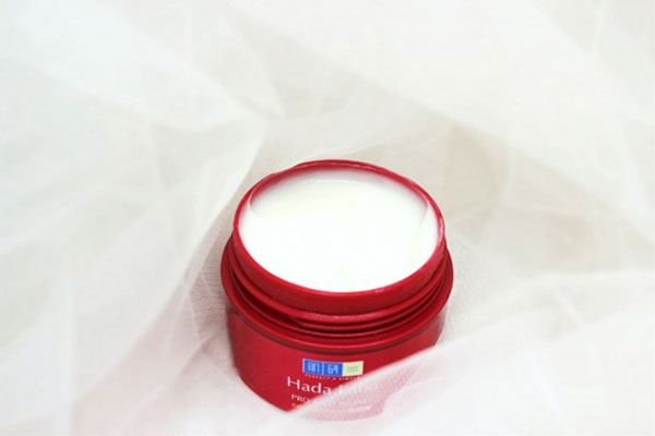Kem dưỡng cải thiện lão hóa Hada Labo Pro Anti Aging Collagen Plus Cream có thành phần chứa collagen vàRetinyl palmitate